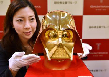 Darth Vader -gold-casco-1-GamersRd
