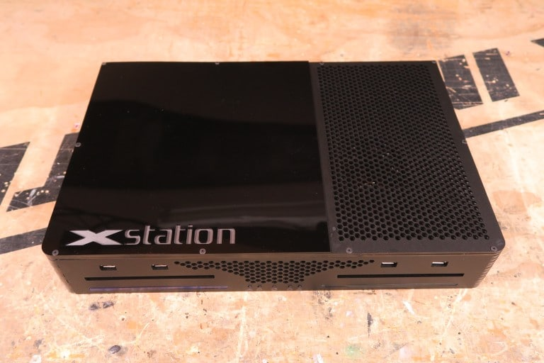 Xstation: La consola que es Xbox y Playstation a la vez