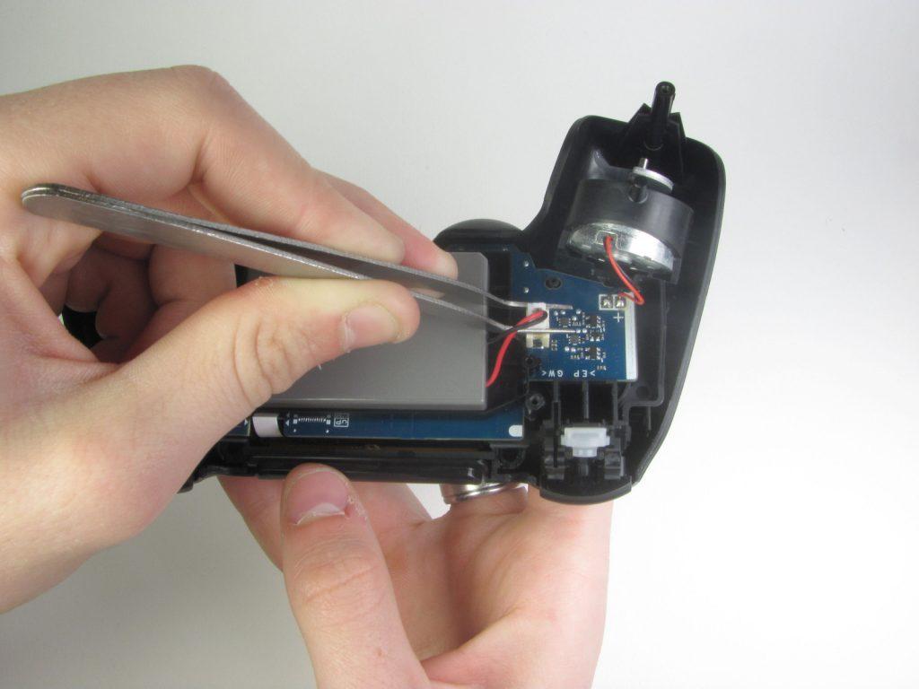 Cómo cambiar la batería del DualShock 4-10-GamersRD