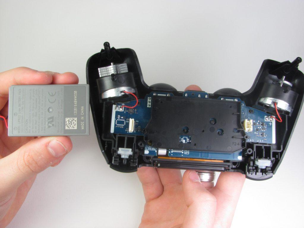 Cómo cambiar la batería del DualShock 4-12-GamersRD