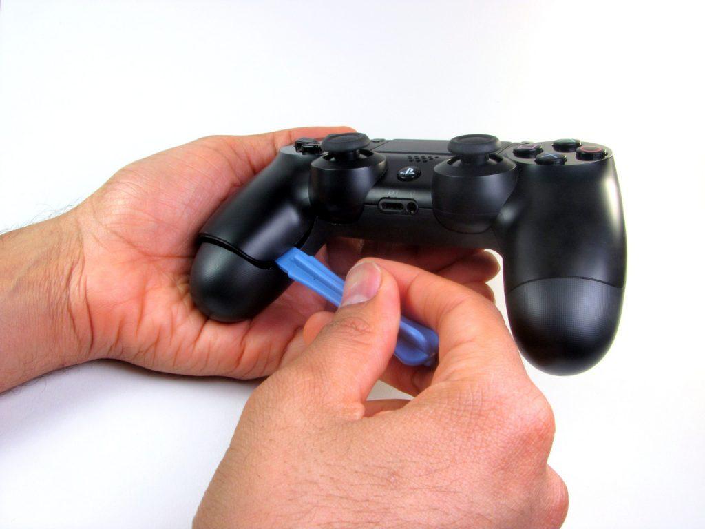 Cómo cambiar la batería del DualShock 4-GamersRD