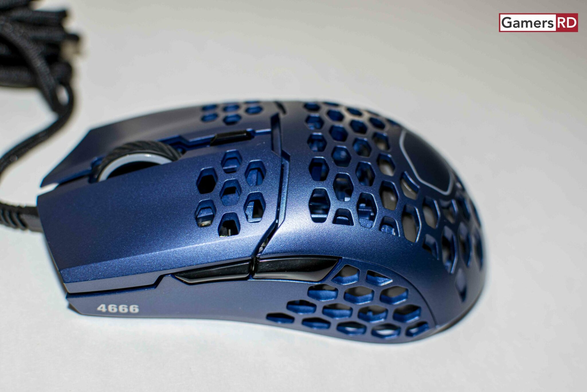 Cooler Master MM711 Gaming Mouse Review, 2 GamersRD