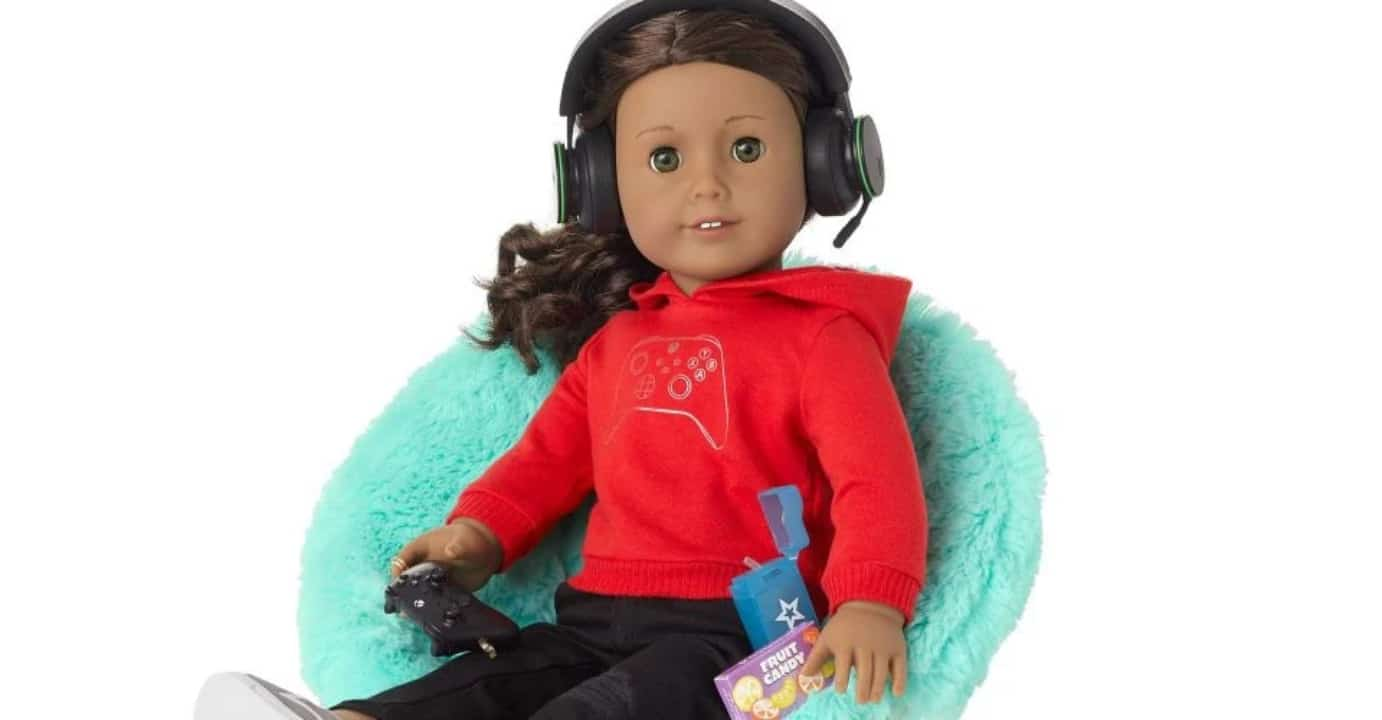 American-Girl-doll-set-includes-Xbox-accessories (1)