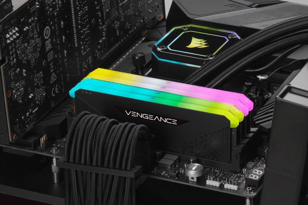 CORSAIR añade dos nuevas entradas a su gama de memorias DDR4 VENGEANCE RGB, GamersRD