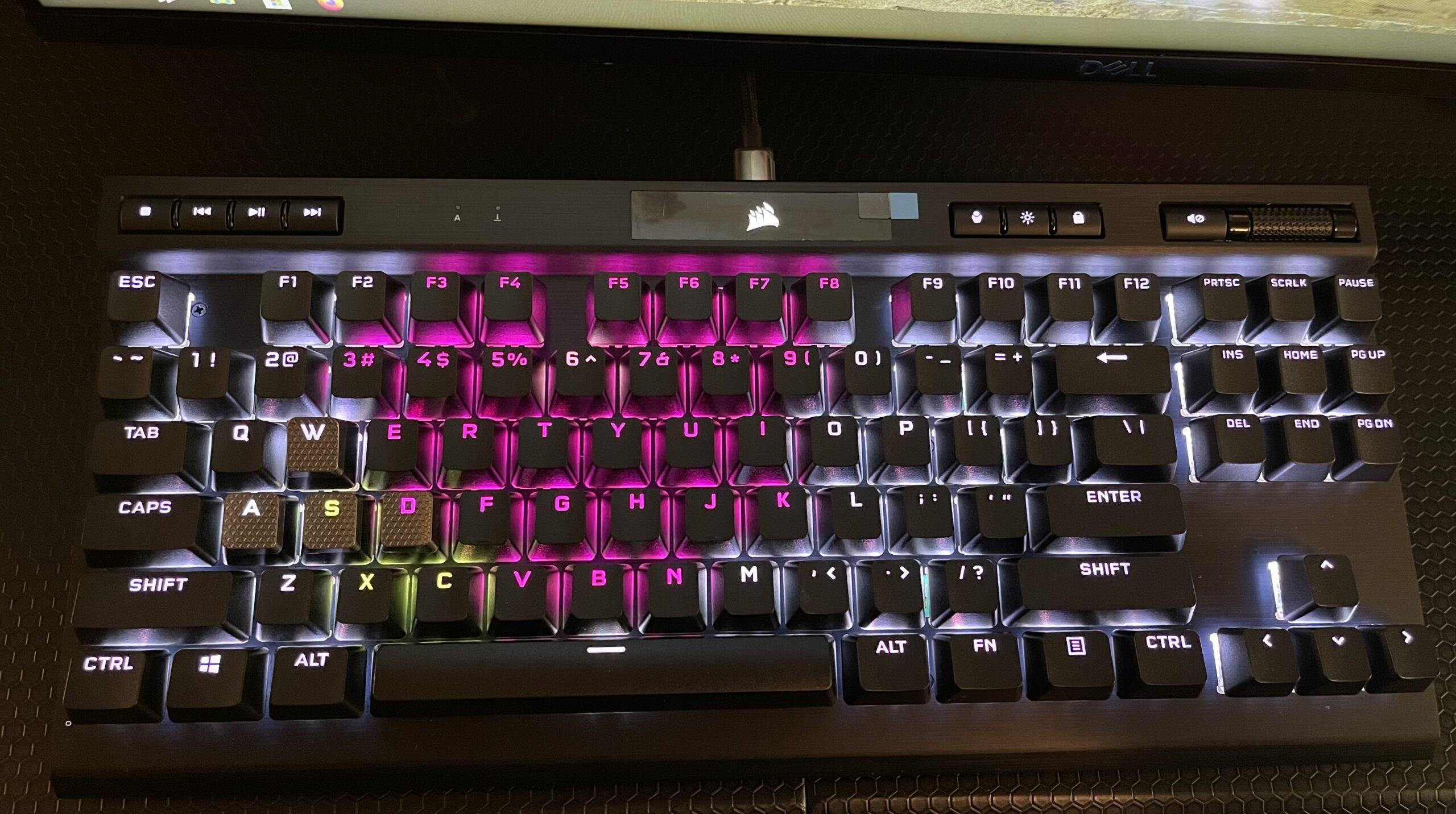Corsair K70 RGB TKL Teclado Mecánico Review GamersRD 1